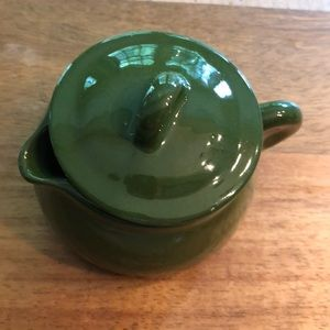 Adorable little green ceramic pot with lid!